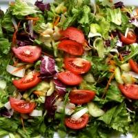In vino veritas - Mixed salad with wine vinaigrette