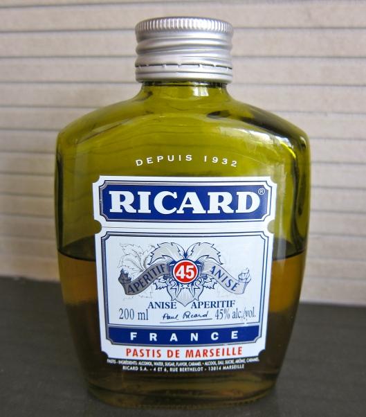 Licorice flavour aperatif