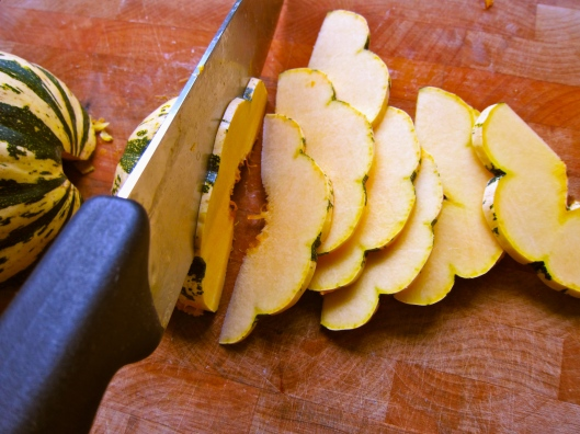 squash, delicata squash, squash recipe, healthy recipe, delicata squash recipe, roasted squash, squash chips, squash rosemary and thyme, recipe, recipes, food