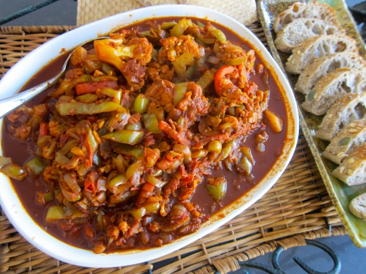 Hungarian Pepper Stew, Hungarian pepper, Hungarian pepper stew, Hungarian pepper side dish, Hungarian pepper appetizer, Hungarian pepper recipe, pepper stew, vegetable stew, Hungarian vegetable stew, vegetarian stew, quick cooking stew, vegetable side dish, vegetarian side dish, recipe, recipes, food, Dr. Joe Schwarcz pepper stew